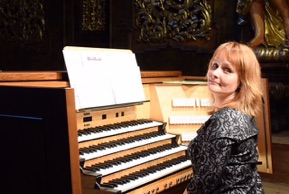 International Concert Organist Kristel Aer in Hampshire