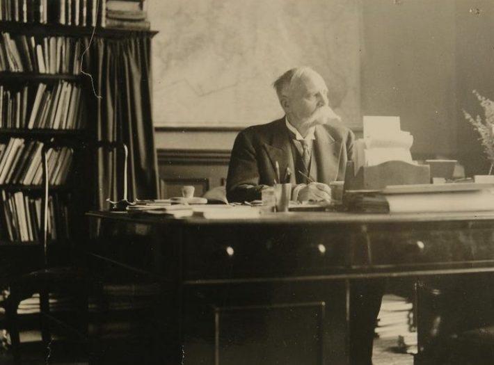 Oskar Kallas Eesti Londoni saatkonnas, 24.02.1933. Foto: Rahvusarhiiv