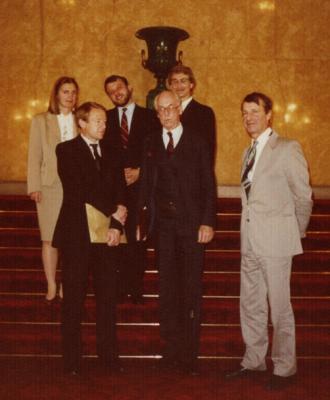 Lennart Meri Londonis Lancaster House'is. Taga seisavad Jüri Luik ja Arvi Jürviste. Foto: välisministeerium