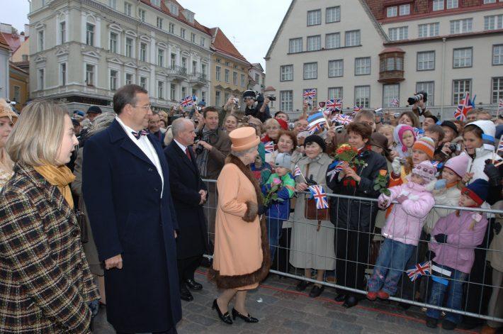 2006 Kuninganna Tallinnas. Foto: välisministeeriumi arhiiv